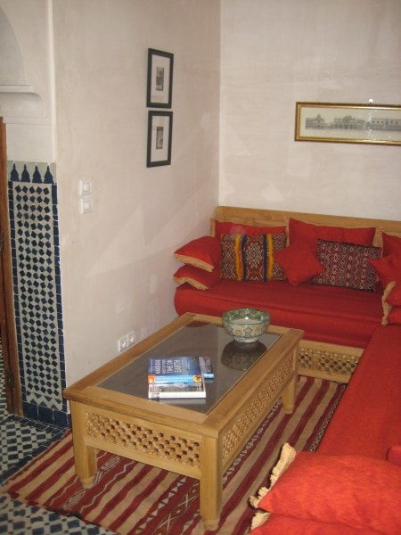 A quiet a cosy sitting room within the Holiday House in Fes.